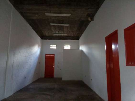 Alquilo habitacion concepto abierto con baño 750 mil y patio barrio san pablo
